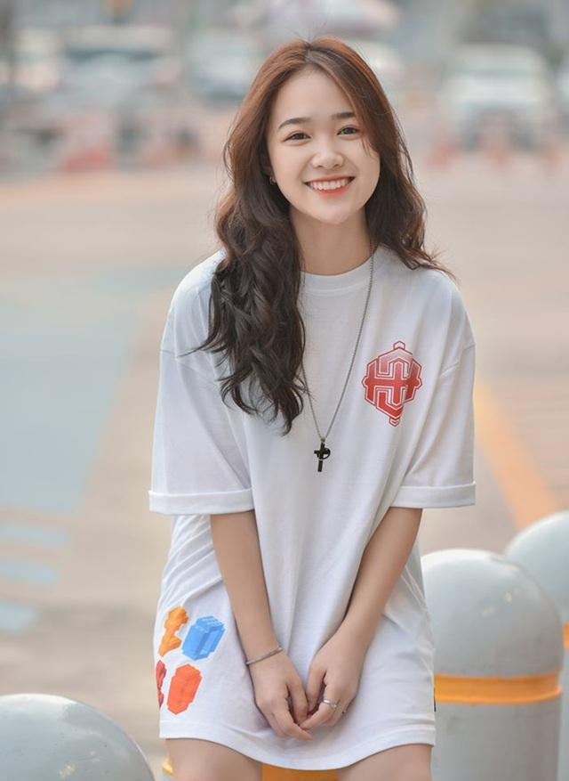 Chỉ 1m52, nữ sinh Bắc Ninh vẫn hút hồn dân mạng vì diện áo dài quá đẹp - 12