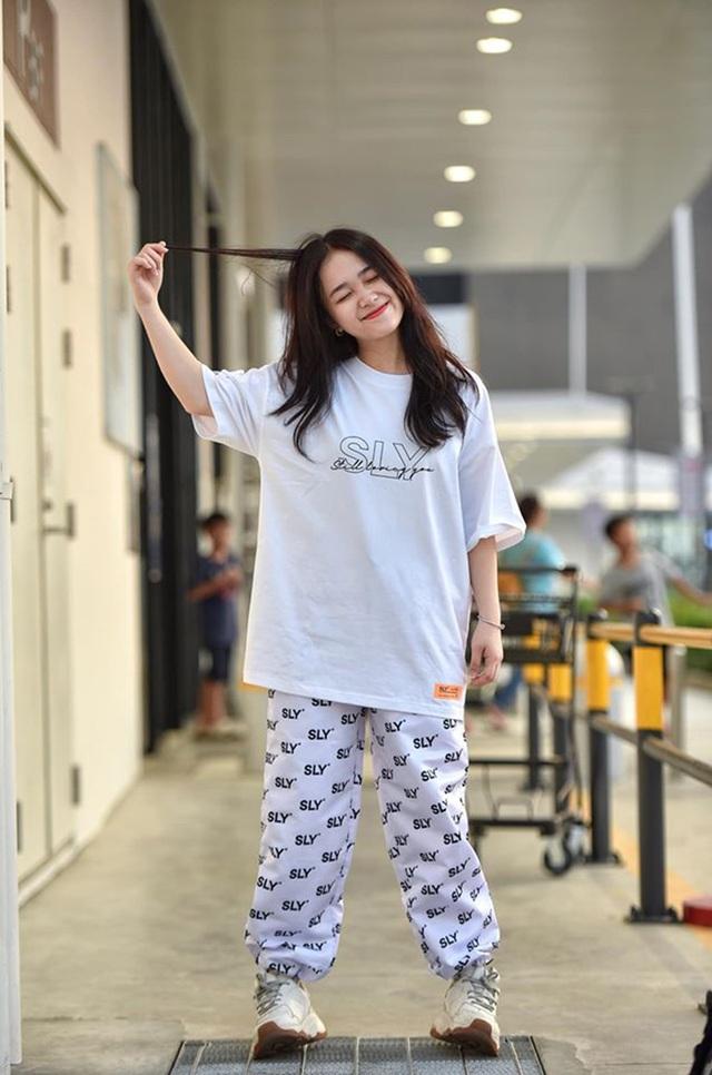 Chỉ 1m52, nữ sinh Bắc Ninh vẫn hút hồn dân mạng vì diện áo dài quá đẹp - 4