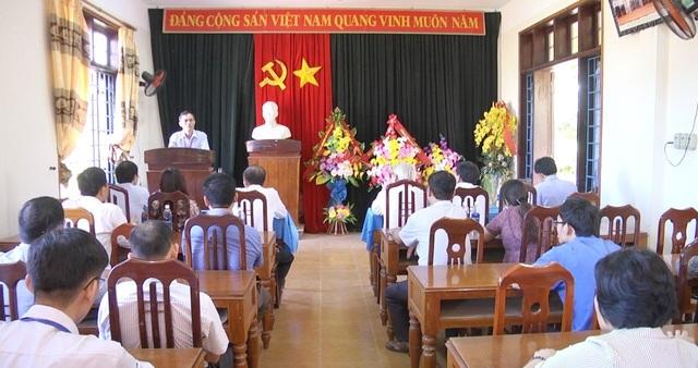 Hiệu trưởng trường THPT Cửa Tùng bị cách chức tất cả các chức vụ trong Đảng - 1