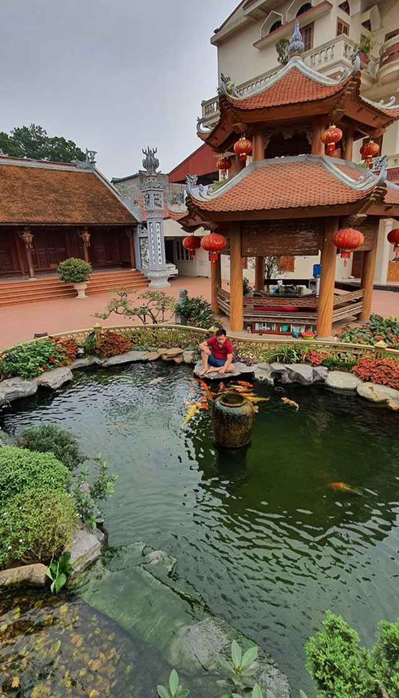 Ngắm nhà gỗ cổ Bắc Bộ với hồ cá Koi đẹp hiếm có ở ngoại thành Hà Nội - 9