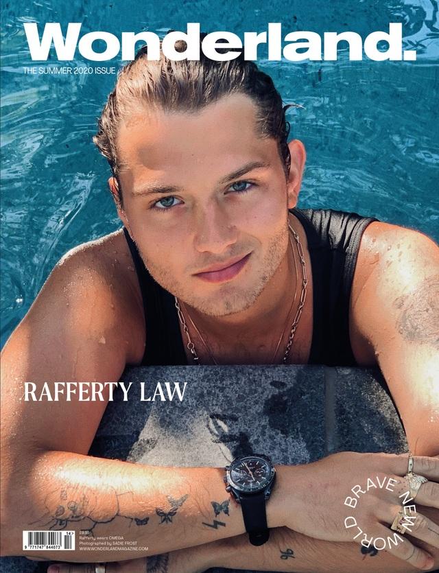 Vẻ đẹp trai khỏe khoắn của con trai tài tử Jude Law - 1