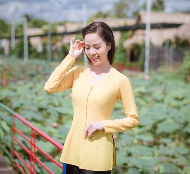 Hoa khôi Vũ Thanh Tú mộc mạc với áo bà ba nơi thôn dã - 4