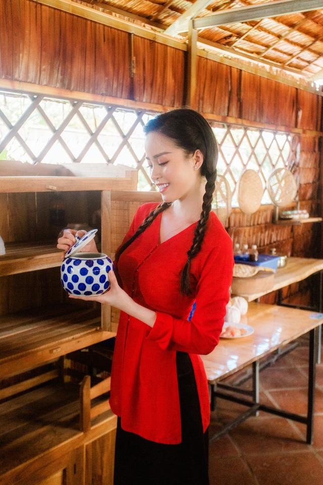Hoa khôi Vũ Thanh Tú mộc mạc với áo bà ba nơi thôn dã - 8