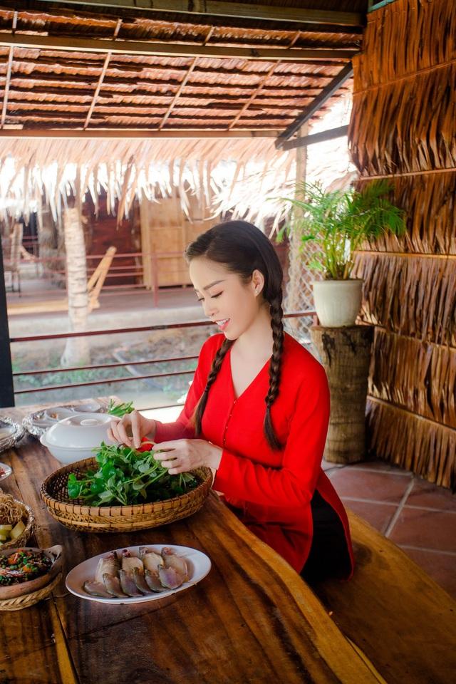 Hoa khôi Vũ Thanh Tú mộc mạc với áo bà ba nơi thôn dã - 9