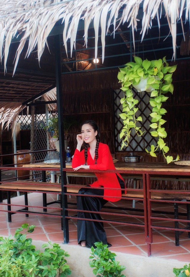 Hoa khôi Vũ Thanh Tú mộc mạc với áo bà ba nơi thôn dã - 6