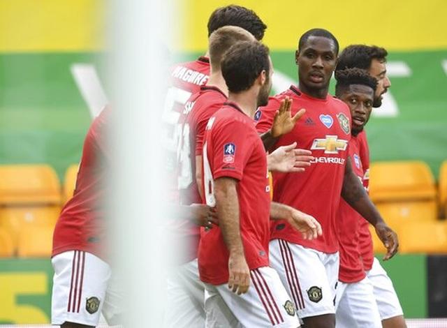 Maguire ghi bàn quyết định, Man Utd nhọc nhằn vào bán kết FA Cup - 10