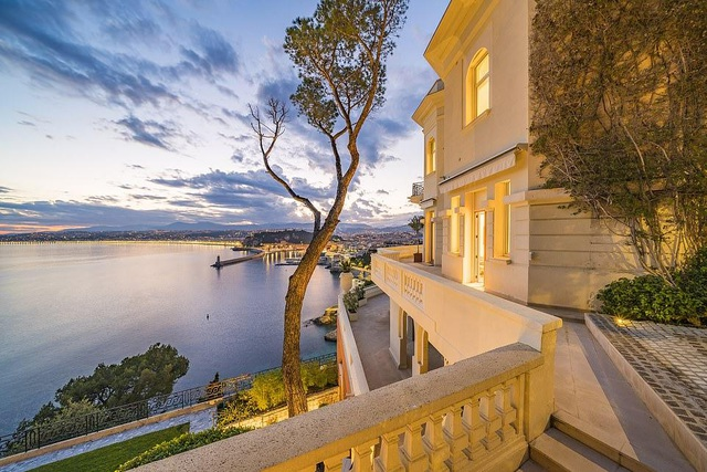 """Biệt thự đẹp như """"thiên đường"""" giá 34 triệu USD của """"điệp viên 007"""" - 12"""
