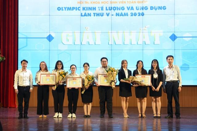 """Lộ diện SV đoạt giải đặc biệt hội thi """"Olympic kinh tế lượng và ứng dụng"""" - 2"""