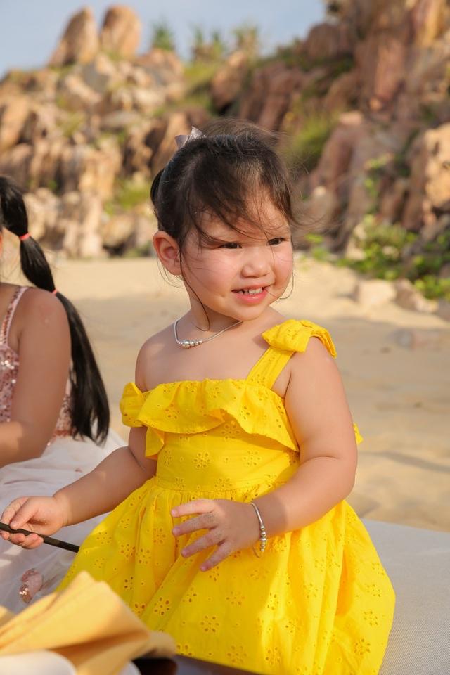 Hà Anh chịu chi đưa cả nhà đi nghỉ dưỡng nhân dịp sinh nhật con gái - 8