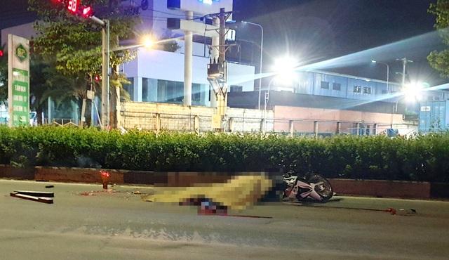 Đôi nam nữ chết thảm, nghi ô tô cỡ lớn gây tai nạn rồi bỏ chạy - 1