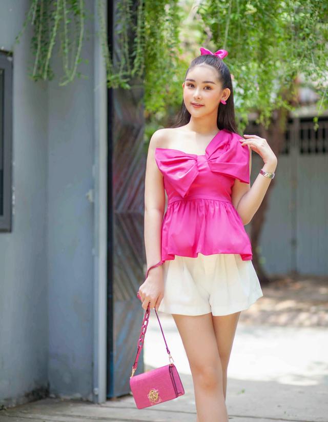 Hoa hậu Khánh Vân gây tranh cãi với mốt môi tều - 8