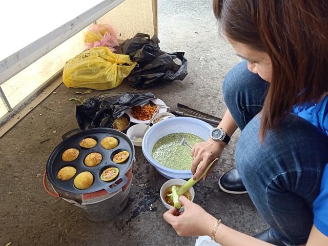Sôi nổi làm bánh, nấu ăn nhân ngày Gia đình Việt Nam 28/6 - 4