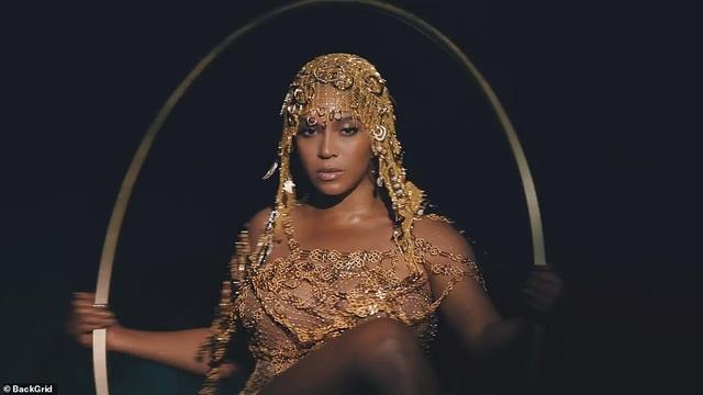 """Beyonce gây sốt với hình ảnh đẹp """"mãn nhãn"""" trong album visual mới - 6"""