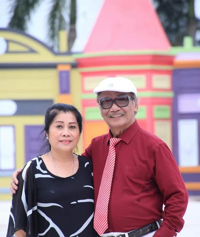 Hôn nhân đặc biệt của NSND Trần Hiếu với người vợ kém 18 tuổi - 2