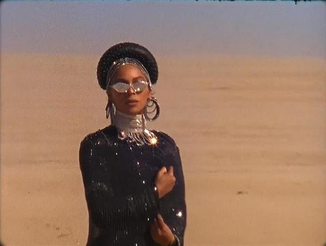 """Beyonce gây sốt với hình ảnh đẹp """"mãn nhãn"""" trong album visual mới - 5"""