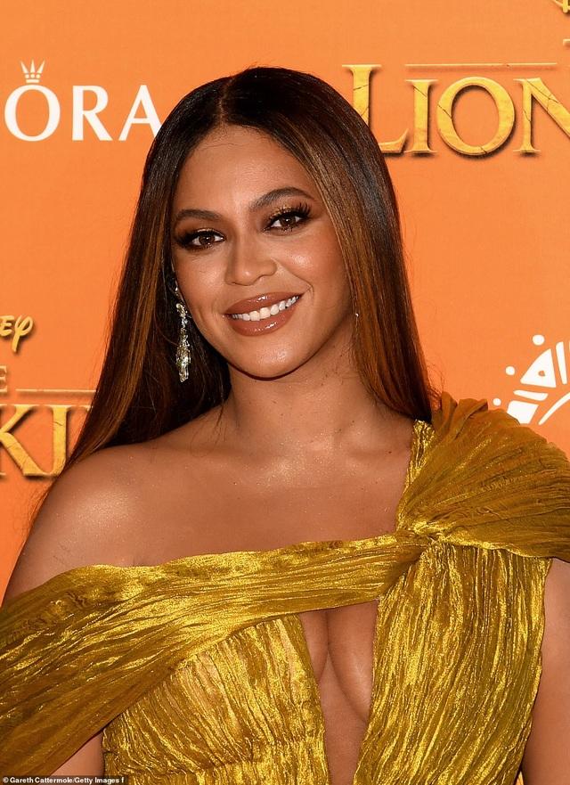 """Beyonce gây sốt với hình ảnh đẹp """"mãn nhãn"""" trong album visual mới - 1"""