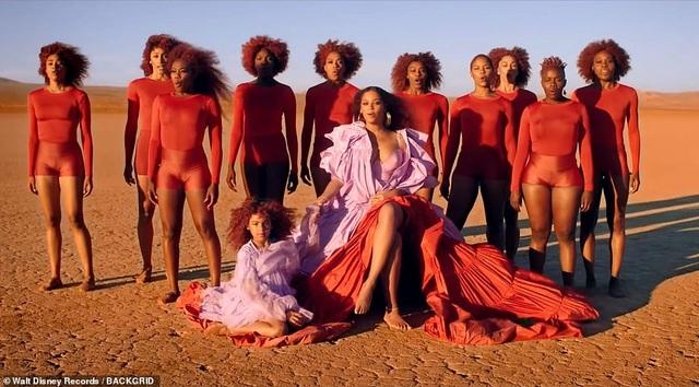 """Beyonce gây sốt với hình ảnh đẹp """"mãn nhãn"""" trong album visual mới - 3"""