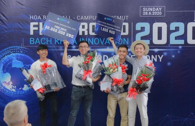 Chế máy lọc không khí cho xe buýt giành giải Nhất cuộc thi sáng tạo SV - 4