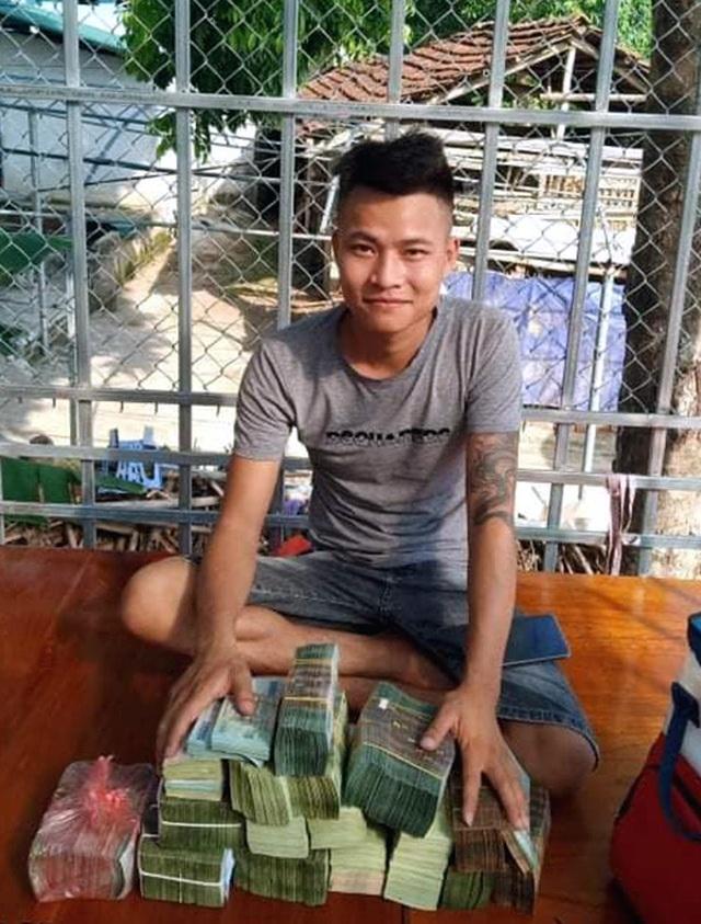 Dân chơi Hưng Yên lên tiếng, 3 mầm lan Bạch tuyết bán 2,2 tỷ đồng - 2