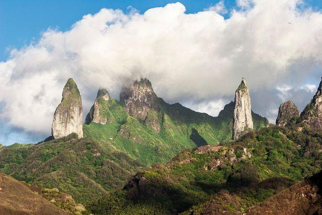 Tìm thấy siêu kiến trúc khổng lồ rộng gần 1000km trong lòng Trái đất - 1
