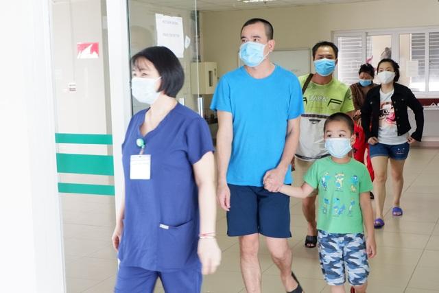 Bệnh nhân Covid-19 về từ Kuwait: Được về nước, tôi nhảy cẫng lên vì vui! - 3