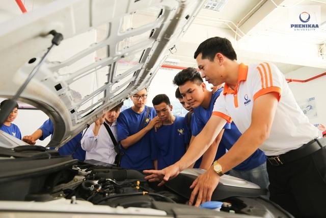 Kỹ thuật ô tô: Sức hút từ ngành công nghiệp mũi nhọn - 1