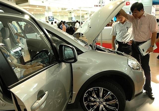 Giảm phí trước bạ ô tô: Nhà nước bớt thu, dân buôn tăng giá - 2