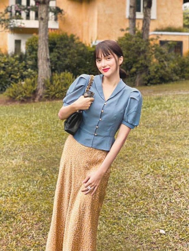 Hoa hậu Khánh Vân gây tranh cãi với mốt môi tều - 7
