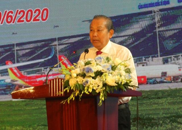 """Phó Thủ tướng phát lệnh """"giải cứu"""" đường băng 2 sân bay lớn nhất Việt Nam - 2"""