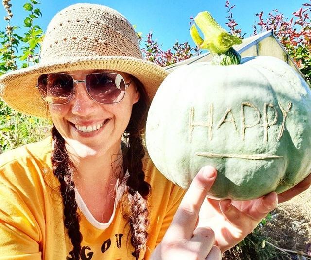 """Vườn rau trái trĩu trịt """"vạn người mê"""" của bà mẹ một con ở New Zealand - 1"""