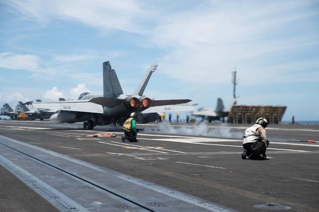 Hai tàu sân bay Mỹ tập trận phối hợp tại biển Philippines - 2