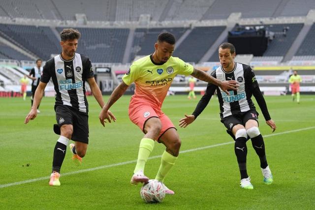 Vượt qua Newcastle, Man City tiến vào bán kết FA Cup - 3