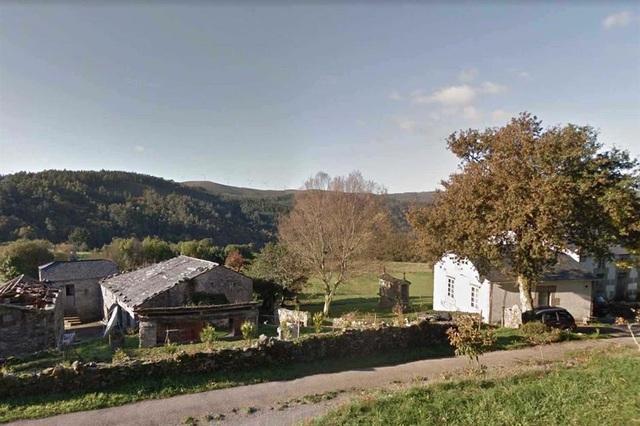 Những ngôi làng, thị trấn đang được rao bán, có nơi dưới 300.000 USD - 2