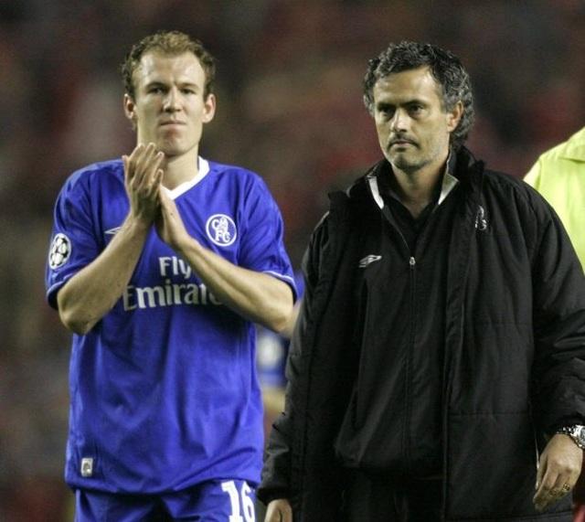 """Mourinho lại xung đột với cầu thủ: """"Gây chiến"""" ở khắp mọi nơi? - 4"""