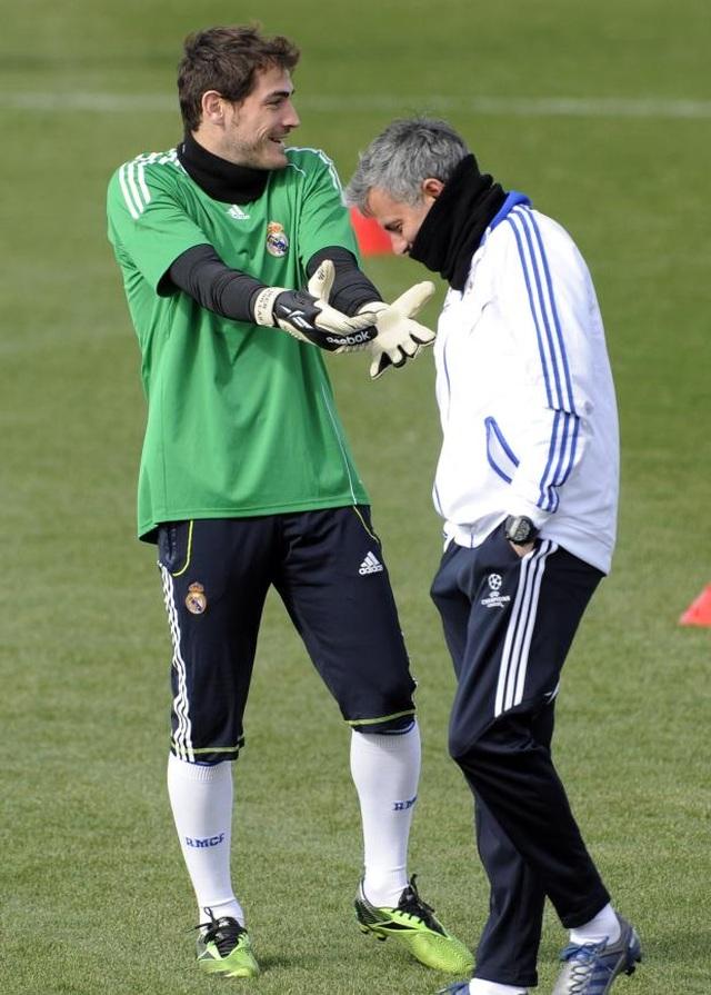 """Mourinho lại xung đột với cầu thủ: """"Gây chiến"""" ở khắp mọi nơi? - 6"""
