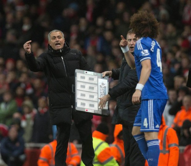 """Mourinho lại xung đột với cầu thủ: """"Gây chiến"""" ở khắp mọi nơi? - 11"""