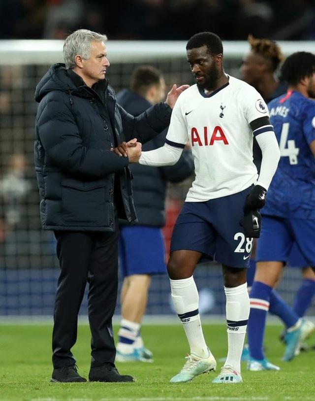 """Mourinho lại xung đột với cầu thủ: """"Gây chiến"""" ở khắp mọi nơi? - 1"""