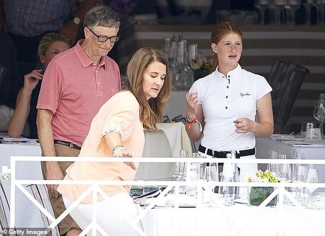 """Con gái Bill Gates tiết lộ cuộc sống trong gia đình """"giàu bậc nhất"""" - 7"""