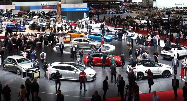 Ban tổ chức rao bán Triển lãm ô tô Geneva - 1