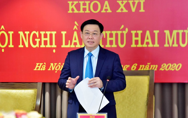 Bí thư Hà Nội: Hỗ trợ khó khăn cho doanh nghiệp để vực dậy nền sản xuất - 1