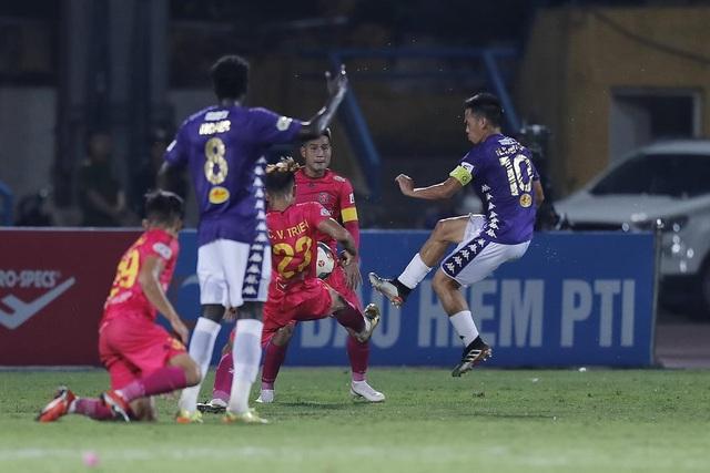 Văn Quyết đá hỏng 11m, CLB Hà Nội thua đau Sài Gòn FC - 4