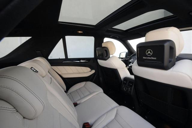 Cửa nóc xe Mercedes-Benz nổ tung dưới trời nắng, chủ xe khởi kiện - 2