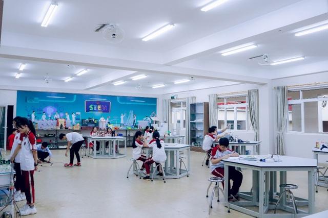Đầu tư cho giáo dục STEM, học sinh Trường Hoàng Việt đạt giải thưởng Khoa học Kỹ thuật quốc gia - 3