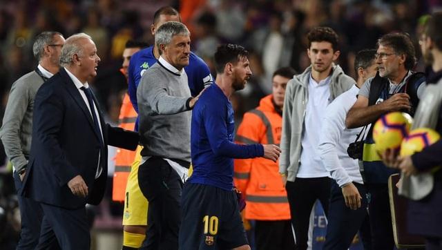 "Khiến Messi phật ý, HLV Barcelona sắp bị ""trảm""? - 1"