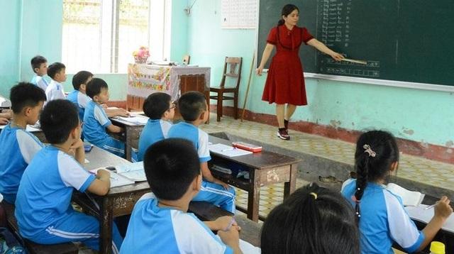 Tìm hướng giải quyết tình trạng thiếu nhân viên trường học - 1