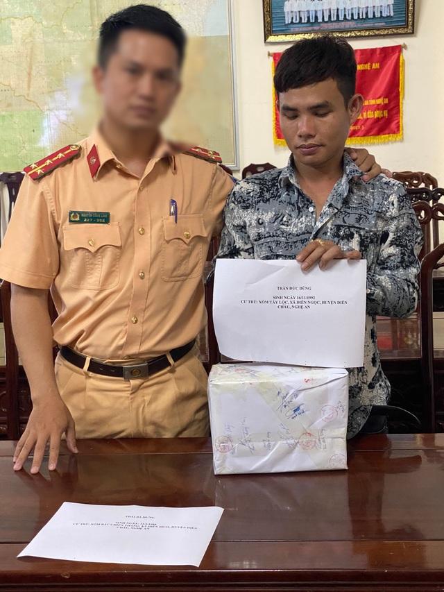 """Lực lượng CSGT """"hóa trang"""" mật phục bắt đối tượng buôn ma túy - 3"""