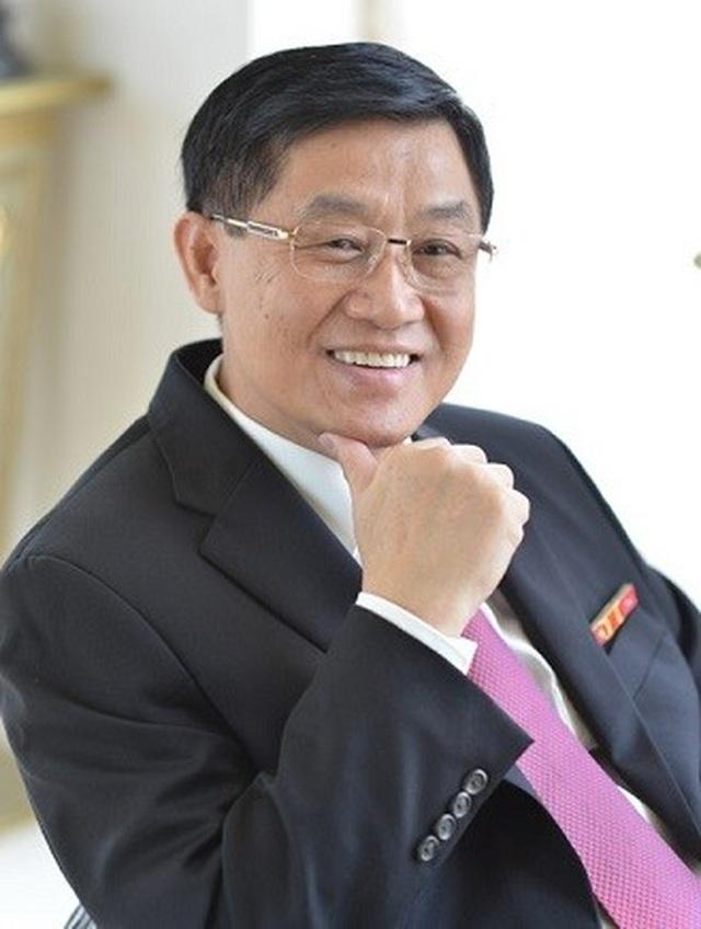 Bố chồng Hà Tăng chịu đòn khủng khiếp trong đời chinh chiến thương trường - 1