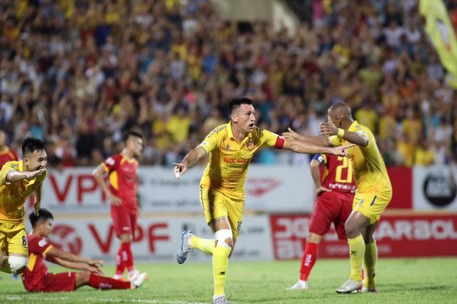 Đỗ Merlo lập cú đúp, Nam Định thắng đậm SL Nghệ An - 3