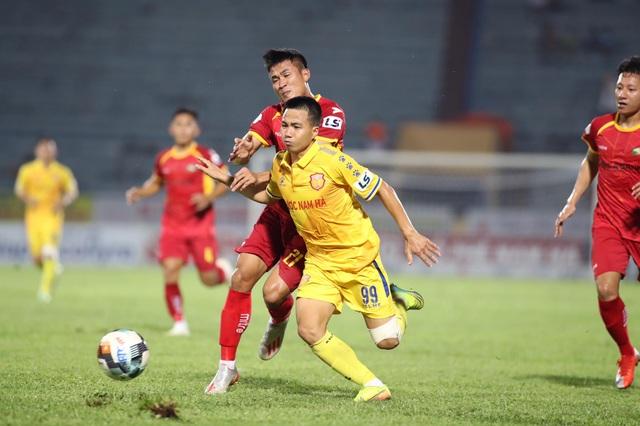 Đỗ Merlo lập cú đúp, Nam Định thắng đậm SL Nghệ An - 2