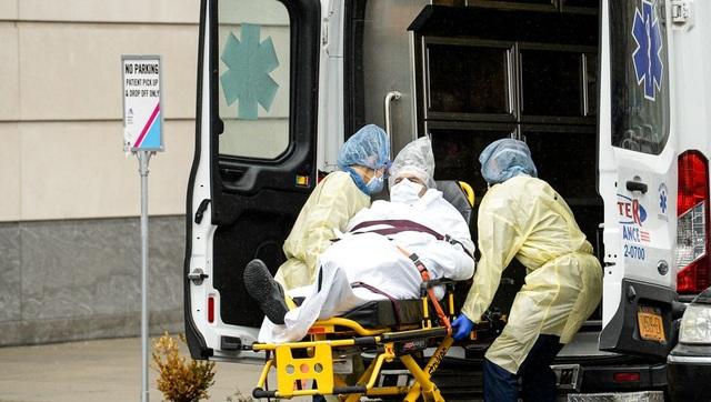 """Bệnh viện Mỹ đối mặt nguy cơ """"vỡ trận"""" vì Covid-19 - 1"""